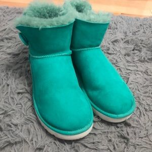 Bailey button blue Uggs